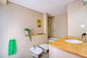 bedroom2 bathroom